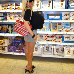 At The Supermarket With Big Boobmodel Beshine