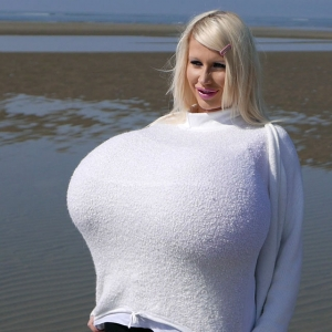 The biggest boobmodel Beshine at the beach
