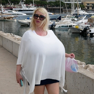The biggest boobs traveling the world
