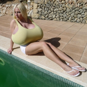A Sunny Pool Day With Busty Bombshell Beshine