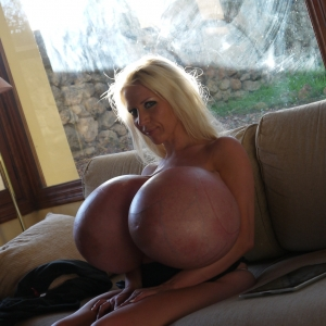 Huge Fake Tits Couching With Beshine