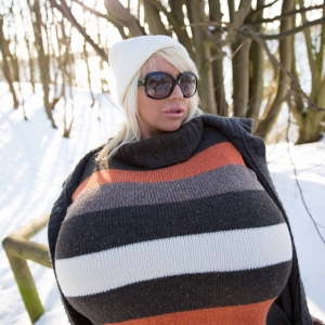 Busty Blonde Beshine Snow Walk