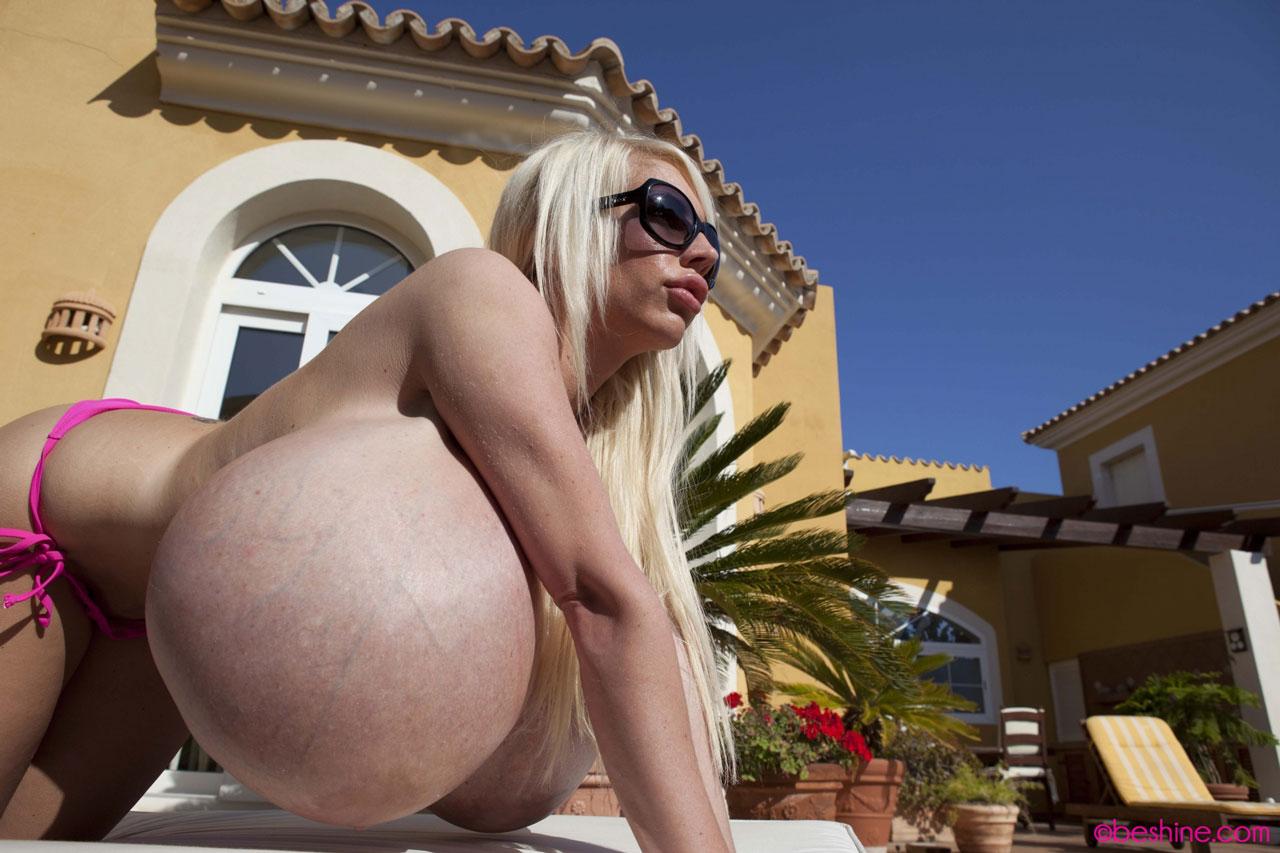 Самый огромный сиски, Категория Большие сиськи - порно большие, порно 14 фотография